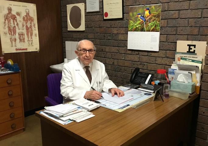 Website dimensions Dr David Hore